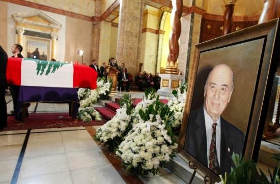 صور من جنازة الفنان وديع الصافي