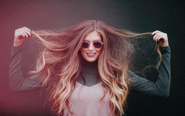 أعشاب طبيعية لتقوية بصيلات الشعر وعلاج تساقط الشعر